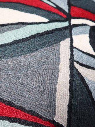 kussen Picasso face grijs rechts detail