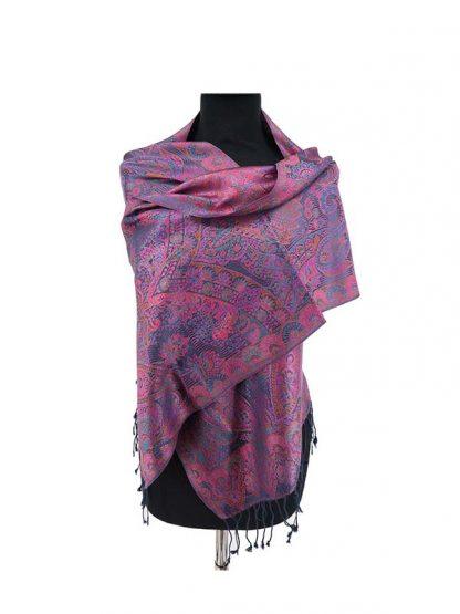 paars zijden sjaaltje