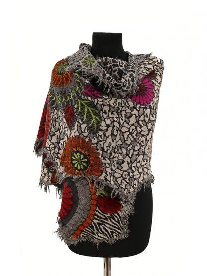 Wollen shawl met geverfde bloemen