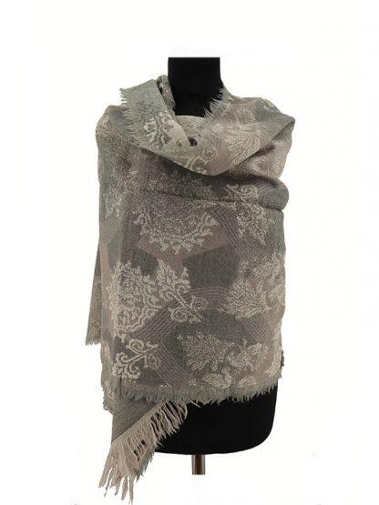 grijze wollen shawl a