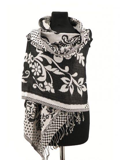 zwart witte wollen sjaal a