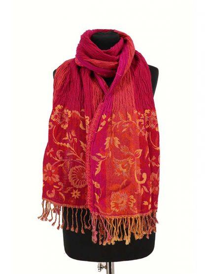 roze wollen sjaal