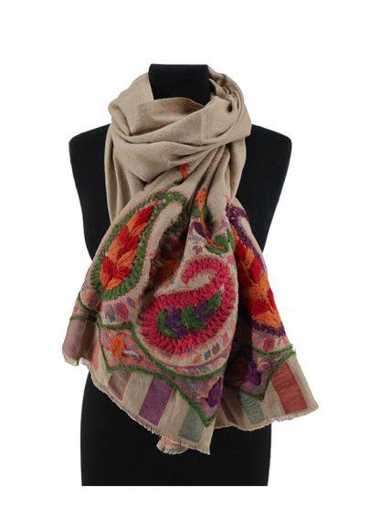beige wollen sjaal